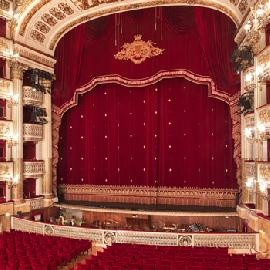 Debut at the Teatro San Carlo of Naples